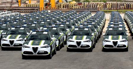 La Guardia Civil de Tráfico estrena 97 Alfa Romeo Stelvio con motor gasolina de 200 CV