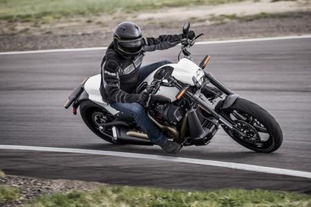 Harley-Davidson FXDR 114: Todo un dragster de carretera con 1.868 cc y 161 Nm