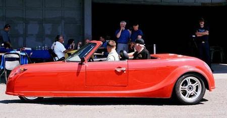 Defiant Xtreme EV, un roadster eléctrico de estilo clásico con tres ruedas