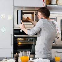 Consejos para que nuestro horno microondas se use de forma segura y saludable