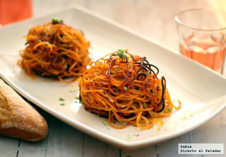 Nidos de espaguetis crujientes al horno: receta original para sorprender con un plato de pasta diferente