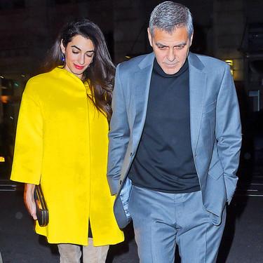 ¡Queremos el abrigo amarillo de Amal Clooney!