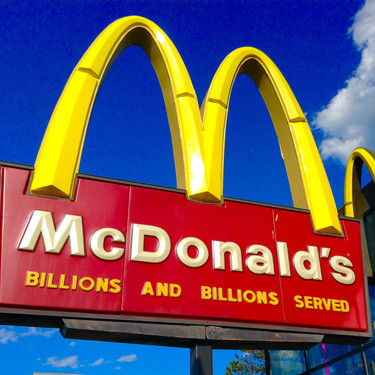 Hallan bacterias fecales en pantallas táctiles de McDonald's británicos (y nos recuerda la importancia de lavarse las manos)