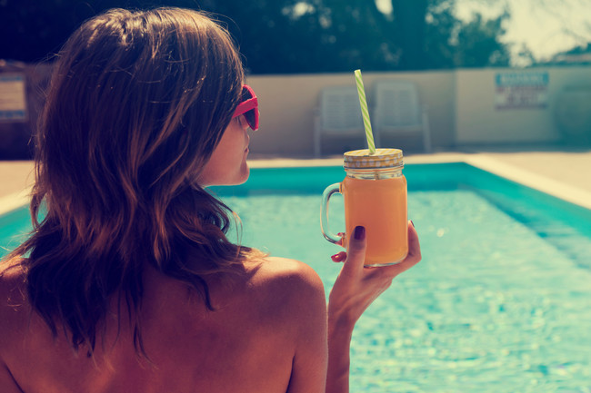 chica-verano-piscina