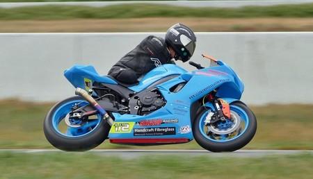 """Ha fallecido Alan Kempster, el """"medio hombre"""" que siguió corriendo en moto sin la mitad de sus extremidades"""