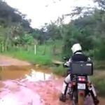 Cómo no cruzar un charco en moto