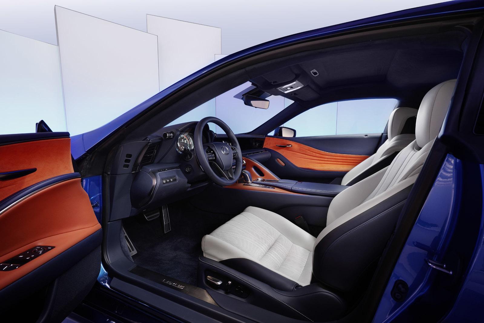 Foto de Lexus LC 500h (48/49)