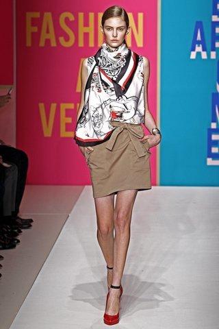 Moda Primavera-Verano 2011 de Zara, DKNY