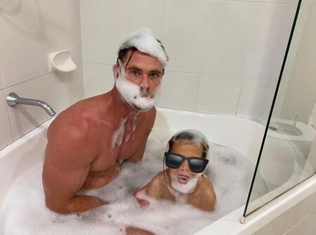¡Qué pedazo de progeni-Thor! Los niños de Elsa Pataky y Chris Hemsworth se lo pasan de escándalo con las locuras de su padre