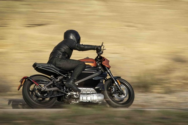 Así se mueve (y apenas se escucha) la LiveWire, la moto eléctrica de Harley-Davidson que llega en 2019