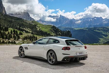 A Ferrari no le afecta la baja de ventas de autos a nivel mundial y reporta ingresos por mil millones de dólares