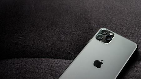 Iphone 11 Pro Max En Sofa Fotografia Iphone Applesfera