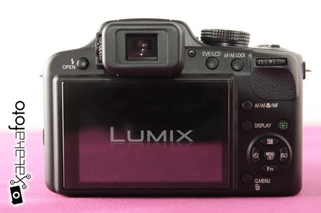 Pantalla y controles traseros Lumix FZ48