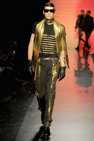 Foto de Jean Paul Gaultier Otoño-Invierno 2011/2012 en la Semana de la Moda de Paris (37/40)
