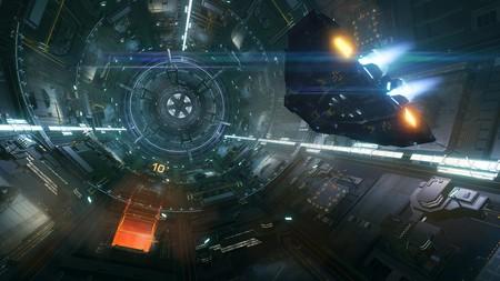 Un usuario de Elite: Dangerous ha descubierto la primera nave de pasajeros con gente viva casi de casualidad