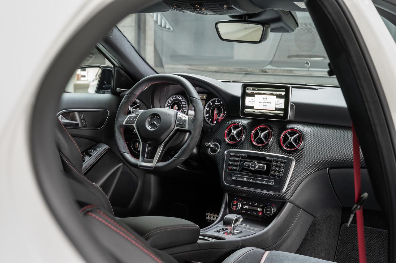 Foto de Mercedes-Benz A 45 AMG (23/24)