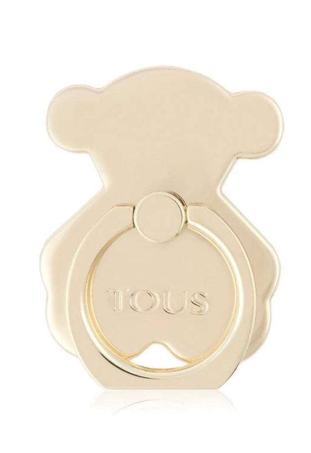 Anillo soporte para el móvil con forma de oso dorado de Tous sacado de la colección Miscelania. Medidas: 4,8x3,6x0,5 cm.