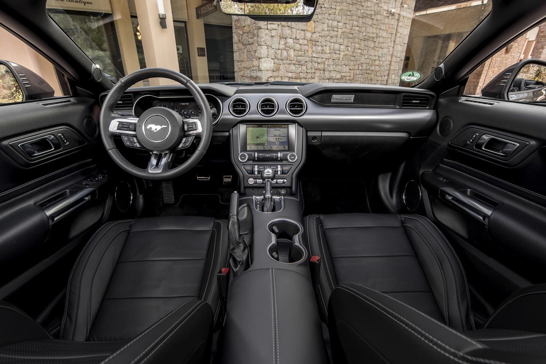 Foto de Ford Mustang 2018, toma de contacto (83/159)
