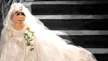 Vivienne Westwood viste a Miss Peggy en El Tour de Los Muppets