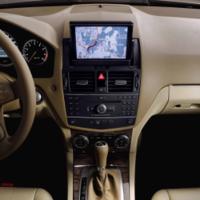 Mercedes Benz te permite controlar el móvil con la voz