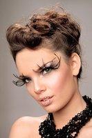 Trucos de belleza y maquillaje para ojos de mirada caída