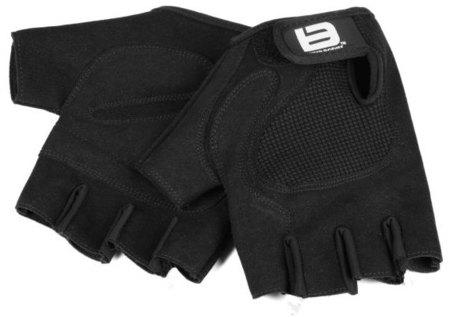 El uso de guantes en el gimnasio
