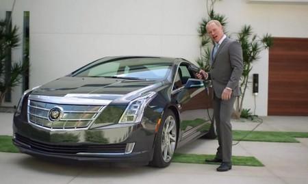 GM reconoce que el Cadillac ELR nunca ha sido un rival del Tesla Model S