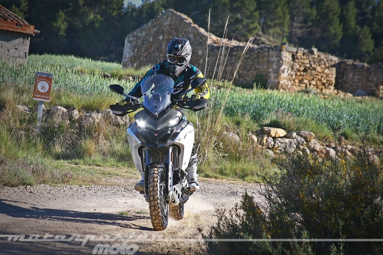Foto de Ducati Multistrada 1200 Enduro - Acción (2/37)