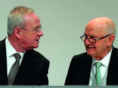 Las familias Porsche y Piëch podrían estar negociando el traspaso de sus acciones en Volkswagen