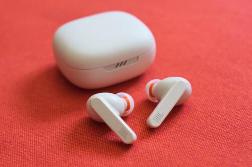 JBL Live Pro+, análisis: ergonomía y calidad de sonido se dan la mano en los nuevos auriculares TWS de JBL
