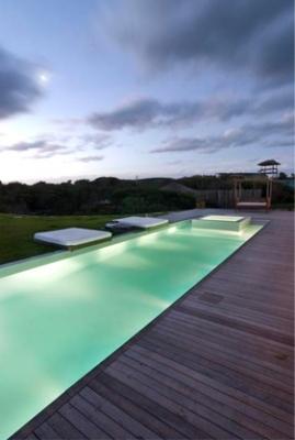 punta-del-este-piscina