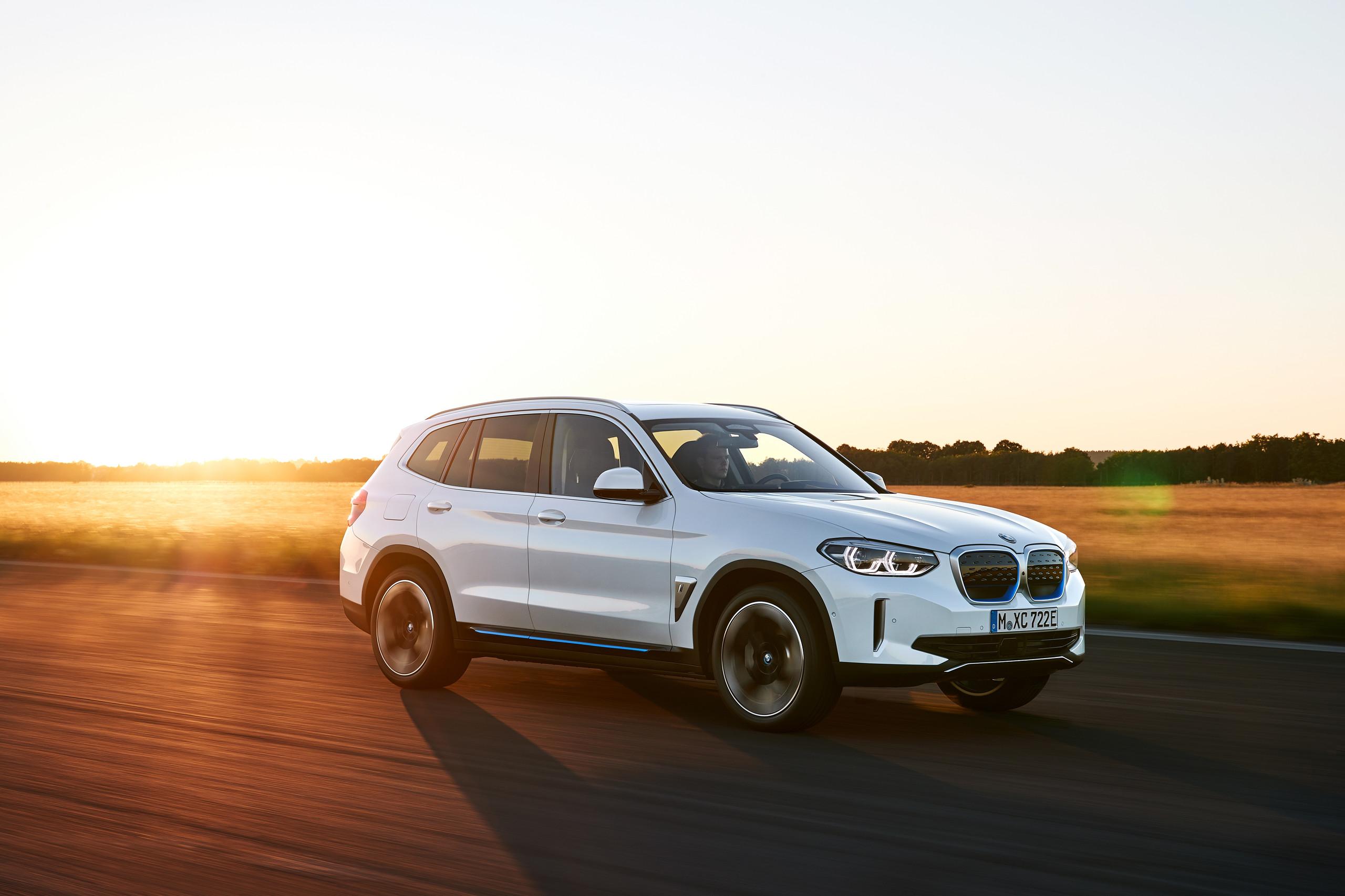 Foto de BMW iX3 2021 (1/6)
