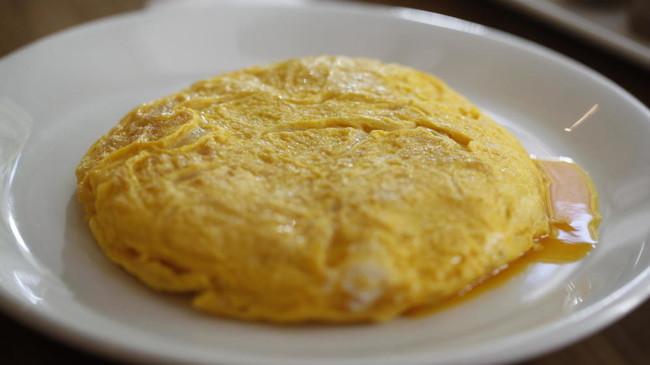 Betanzos prohíbe oficialmente la cebolla en su célebre tortilla de patatas