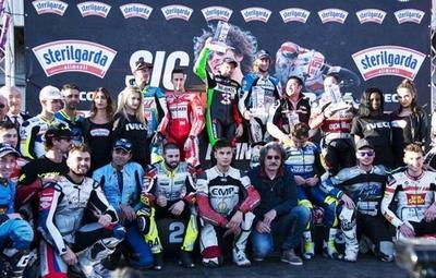 Chis Iddon, Max Biaggi y Mauno Hermunen son los vencedores del III Sic Supermoto Day
