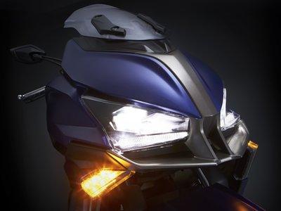 KYMCO contraataca con el Xciting S400 y presenta dos nuevos prototipos... ¡uno de ellos al estilo Niken!