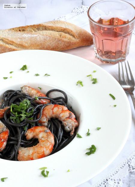 Spaghetti al nero de sepia con gambas