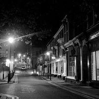 En vez de luces de Navidad, suciedad para el pequeño comercio