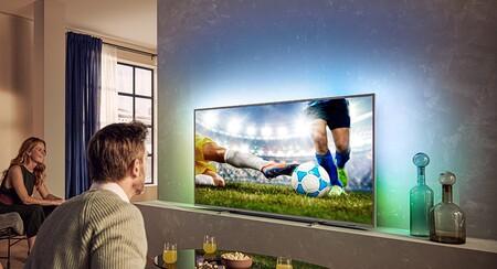 """Este televisor Philips Ambilight de 70"""" 2020 es un chollo por menos de 900 euros en Amazon, alcanzado su precio mínimo histórico"""