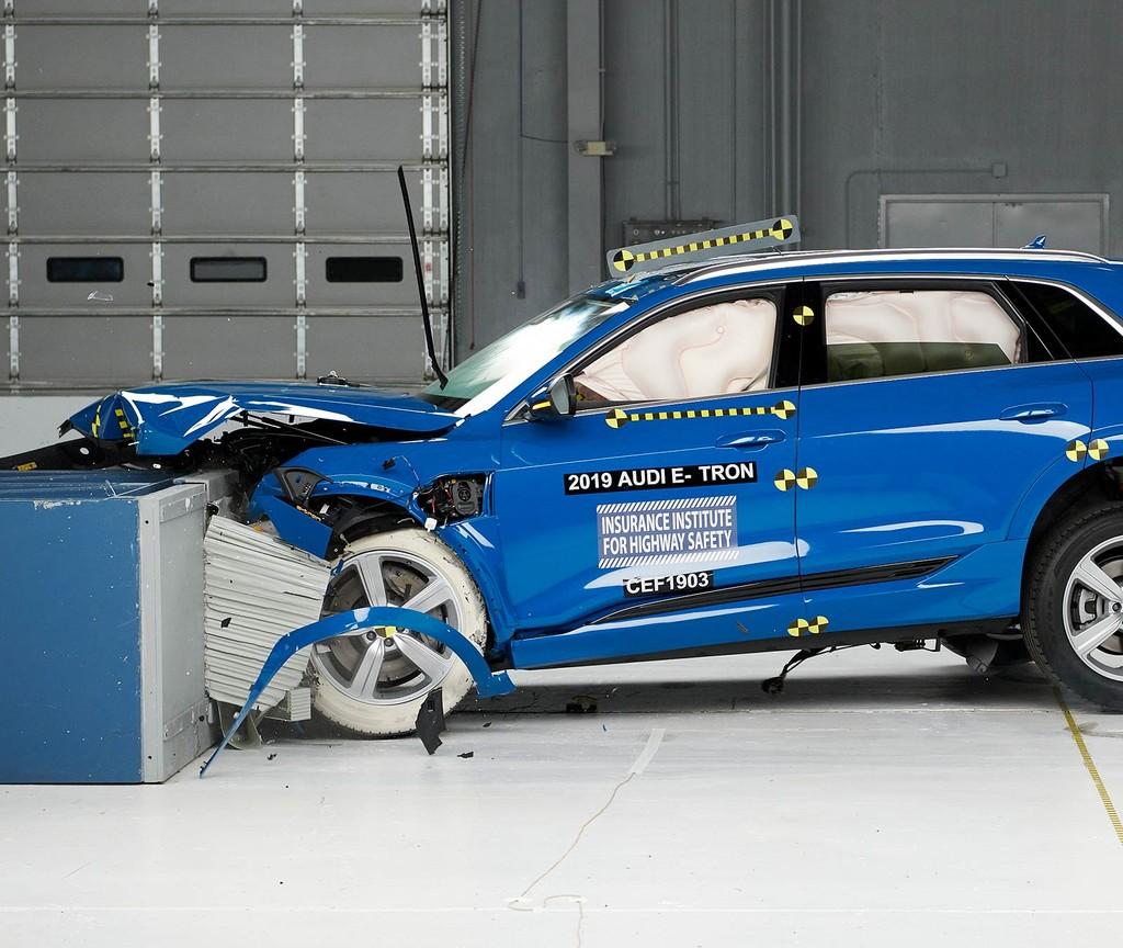 El Audi e-Tron es el primer coche eléctrico del mundo en obtener la máxima calificación de seguridad por parte de la IIHS