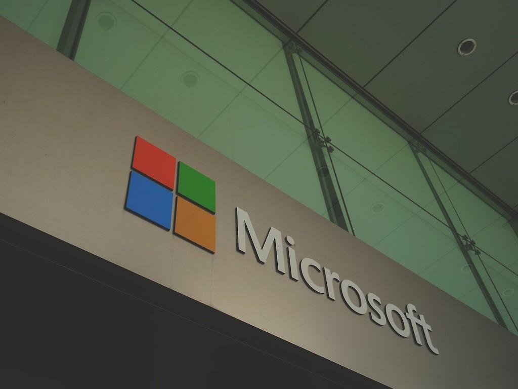 Microsoft corrige 17 años después una vulnerabilidad crítica de máxima gravedad encontrada en los servidores de Windows