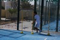 Entrenamiento intermitente en pista para jugadores de pádel