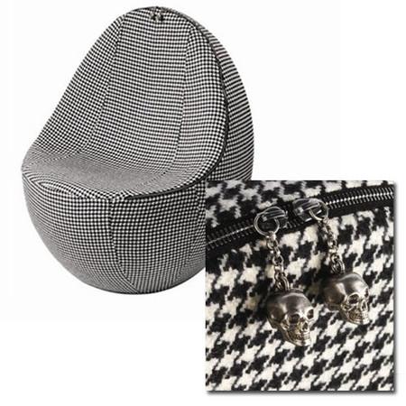 """Vuelve el """"Egg chair"""" de Alexander McQueen"""