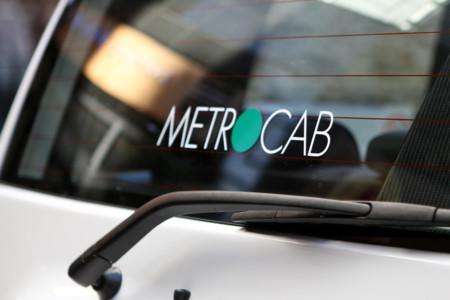 Metrocab el futuro del cl sico taxi londinense for Futuro del classico