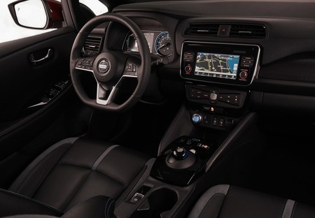 Nissan Leaf 2018 1600 26