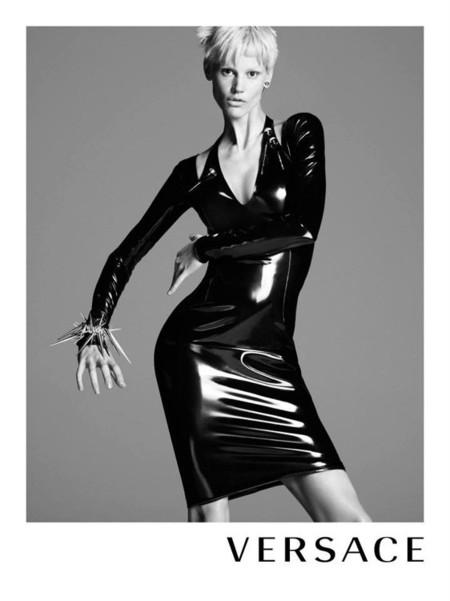 Saskia de brauw Versace Invierno 2013
