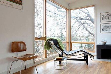 Ventanas sin cortinas ni persianas