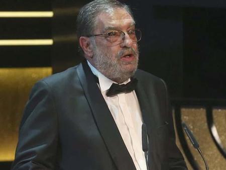 Enrique González Macho dimite como presidente de la Academia