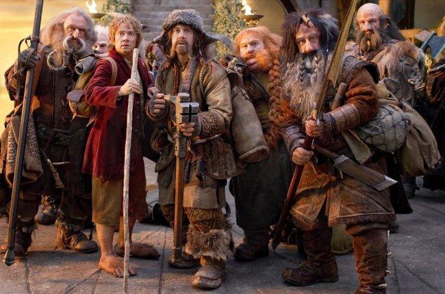 Bilbo y los enanos, protagonistas de El Hobbit: Un viaje inesperado