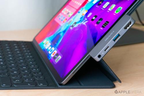 iPad Pro HUB de Gravity TCNIK, equilibrado concentrador práctico y de calidad por USB-C