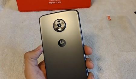 El Moto Z4 con una sola cámara trasera y jack 3.5 mm es real: Amazon lo vende y un usuario ya lo tiene en sus manos
